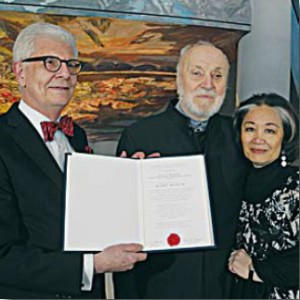 Prof. Dr. h.c. Kurt Masur mit Frau und Großmeister Axel Pohlmann bei der Preisverleihung